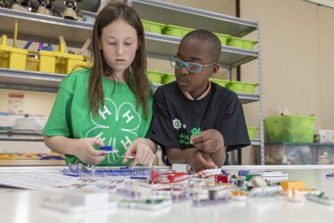 4-H Youth STEM