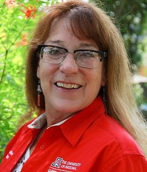 Joanie Contreras